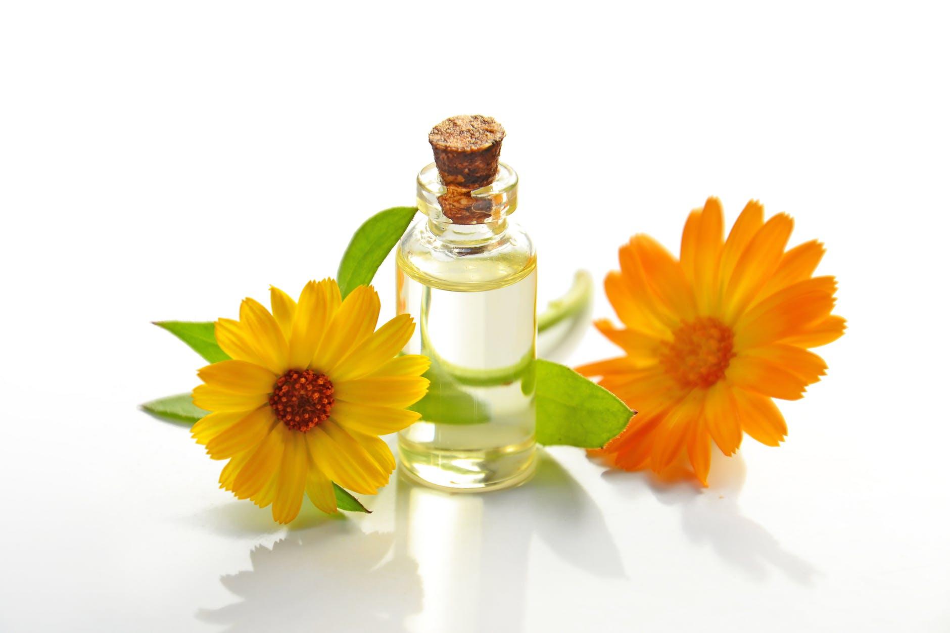 Farfalla ätherische Öle, -Mischungen und Raumsprays